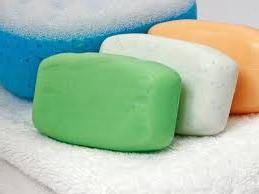 sabun dan air panas - 13 Cara Memperbaiki Kloset Duduk Mampet Terbukti Berhasil